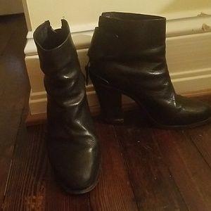 Black leather Rag&Bone booties